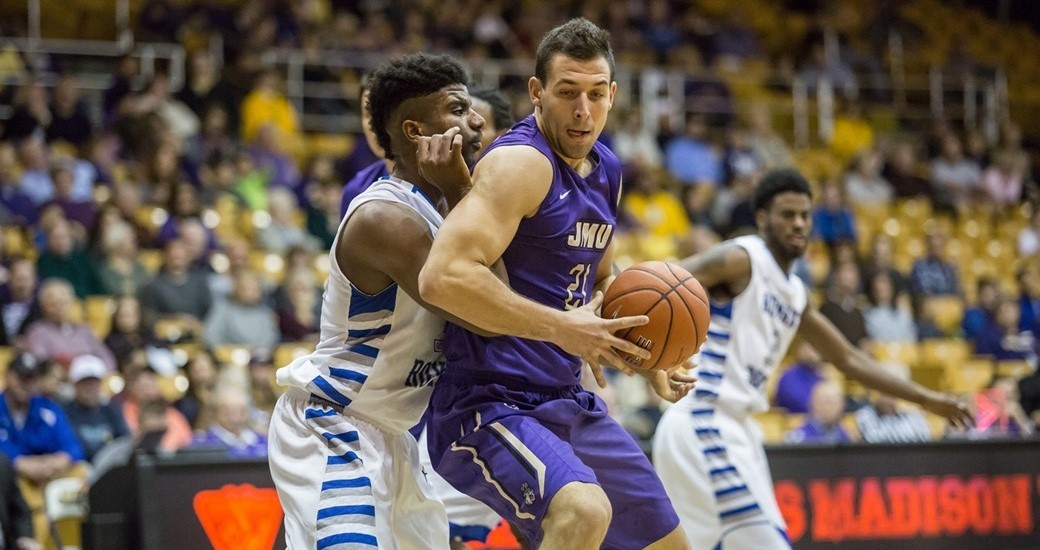 Men's Basketball: Cabarkapa to Miss 3-4 Weeks