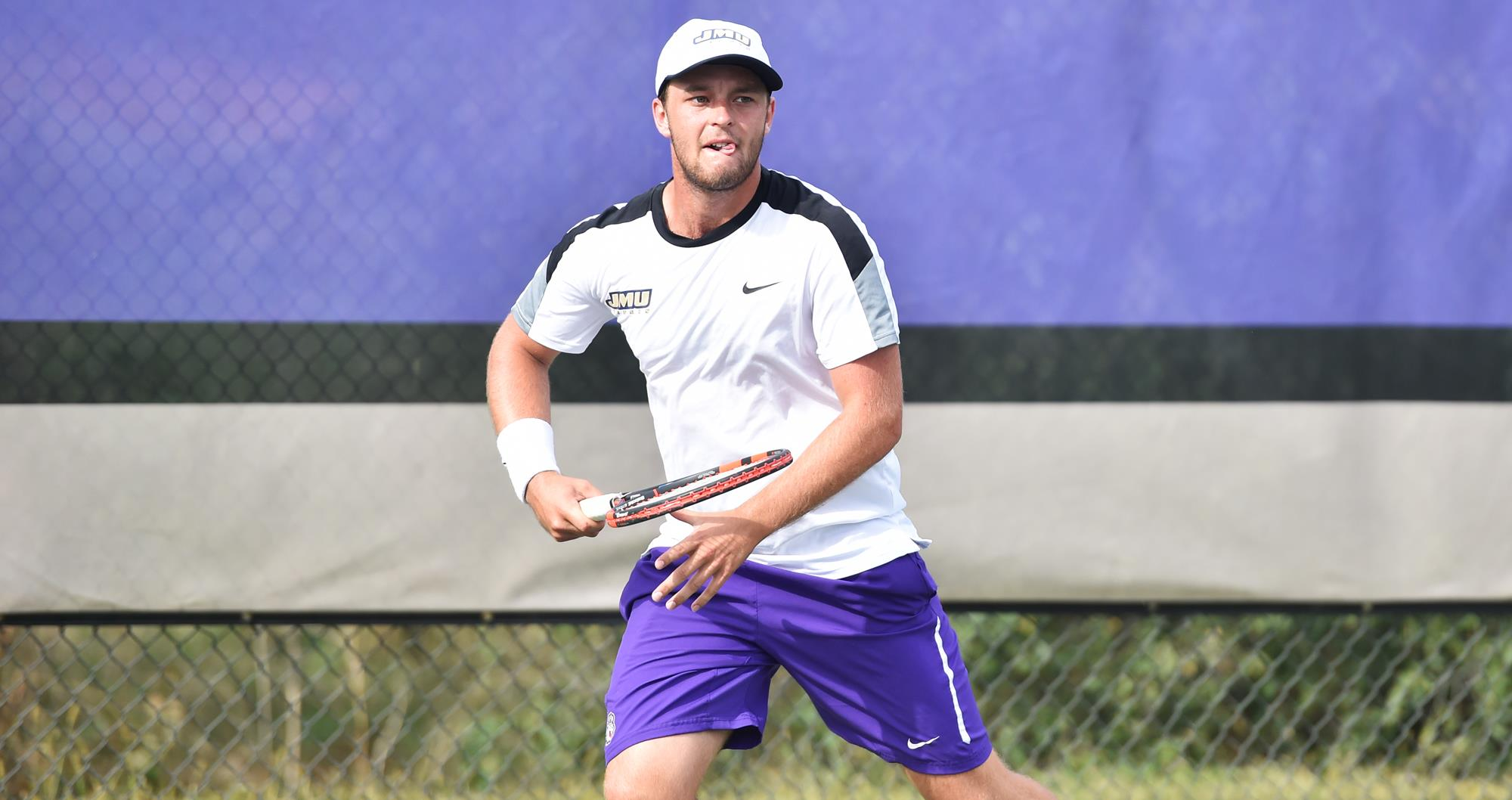 Men's Tennis: Roberts Advances on Day One of Wolfpack Invitational