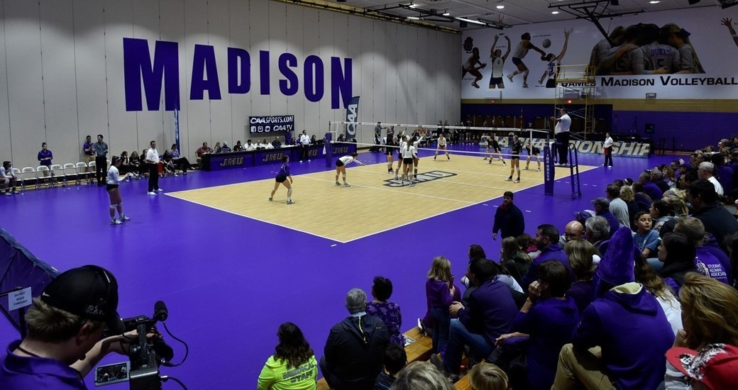 Women's Volleyball: Update: Saturday Volleyball Moved To 4 P.M. Start