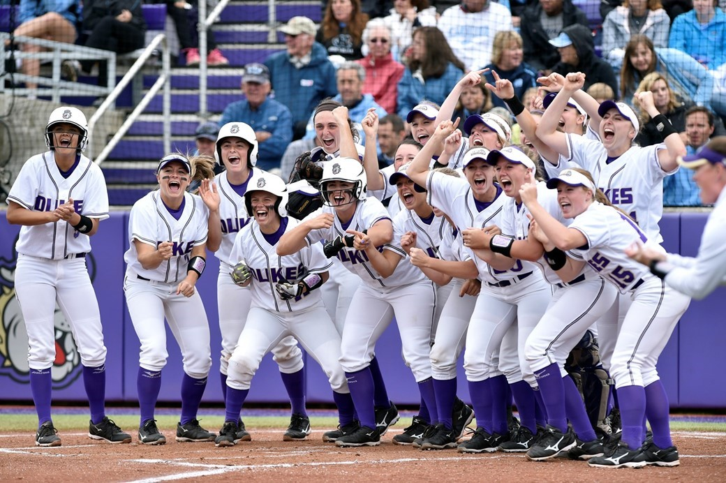 Softball: Softball Moves to #13 in NFCA, #15 in USA Softball National Polls )