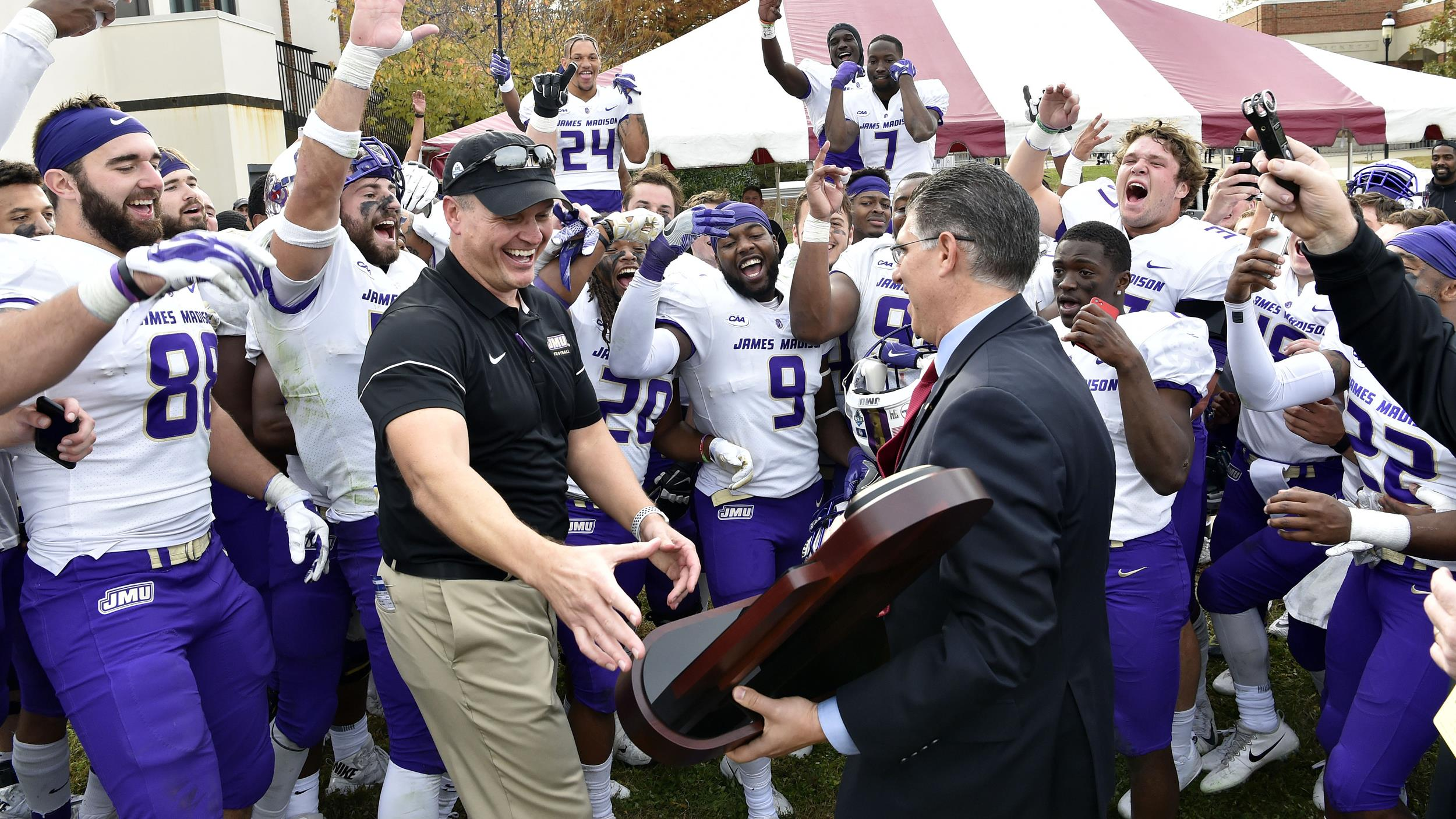 Football: #1 Dukes Capture Outright CAA Championship with 31-3 Win at #11 Elon)