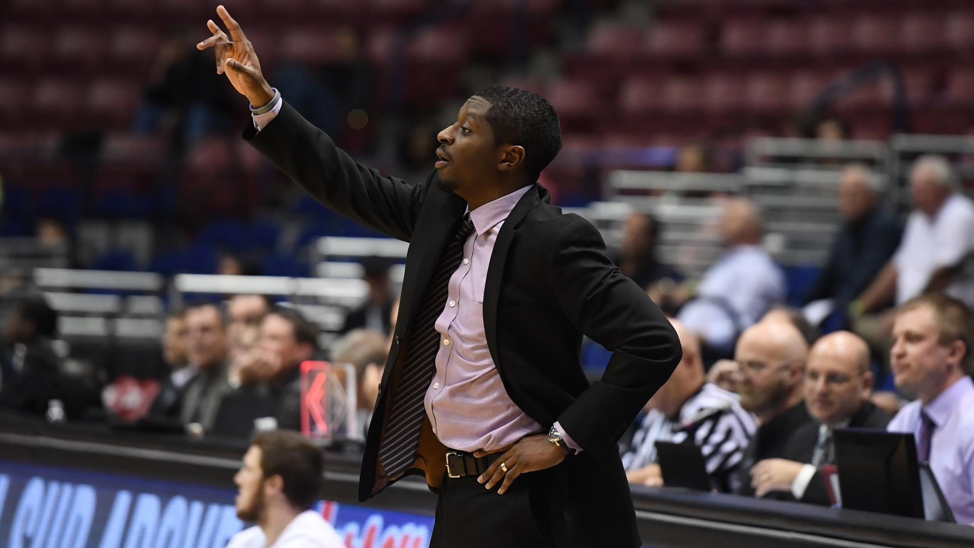 Men's Basketball: Taylor Promoted to Associate Head Coach)