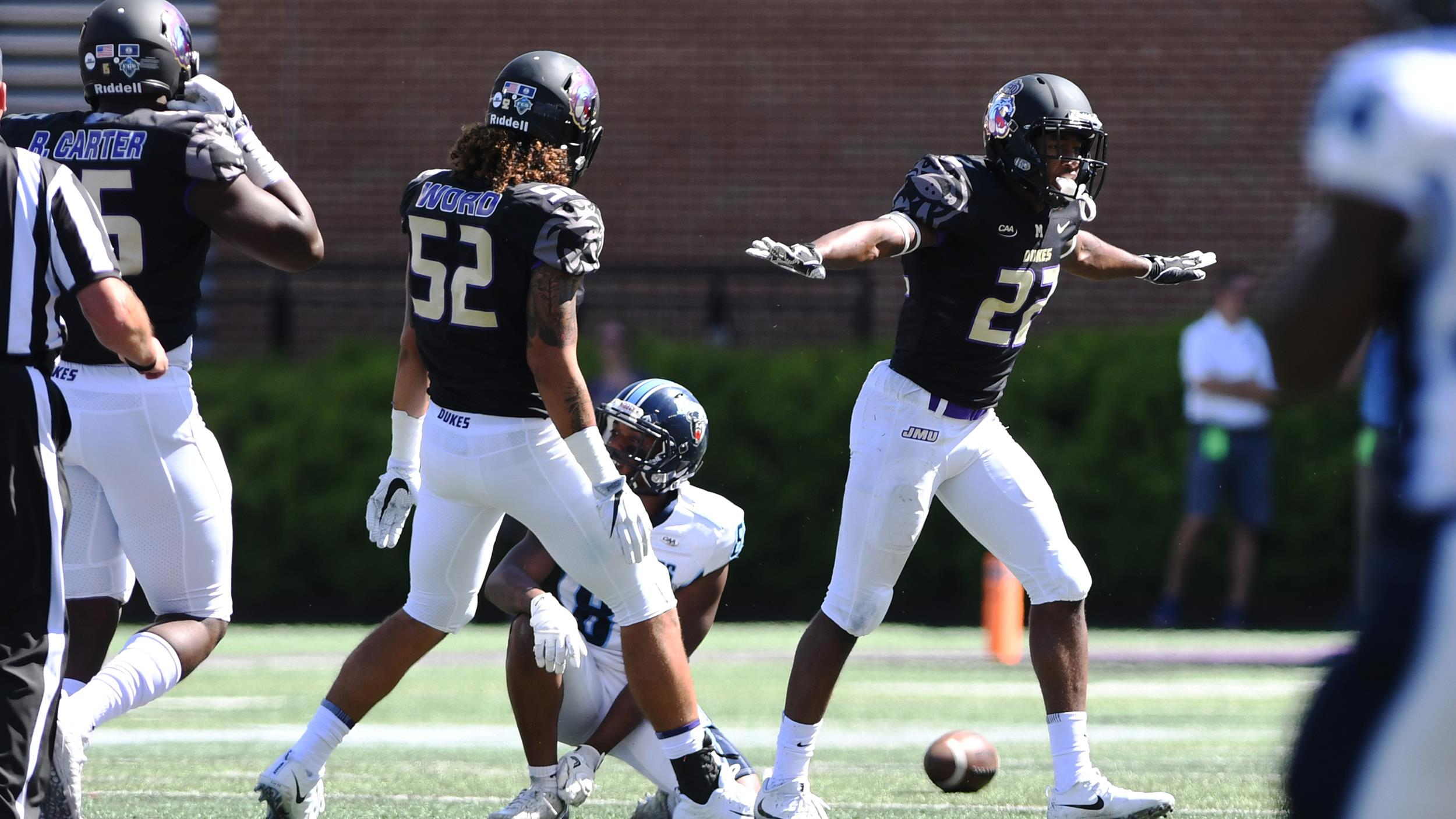 Football: Dukes Stay at No. 1 in Both Polls for Fourth Straight Week)
