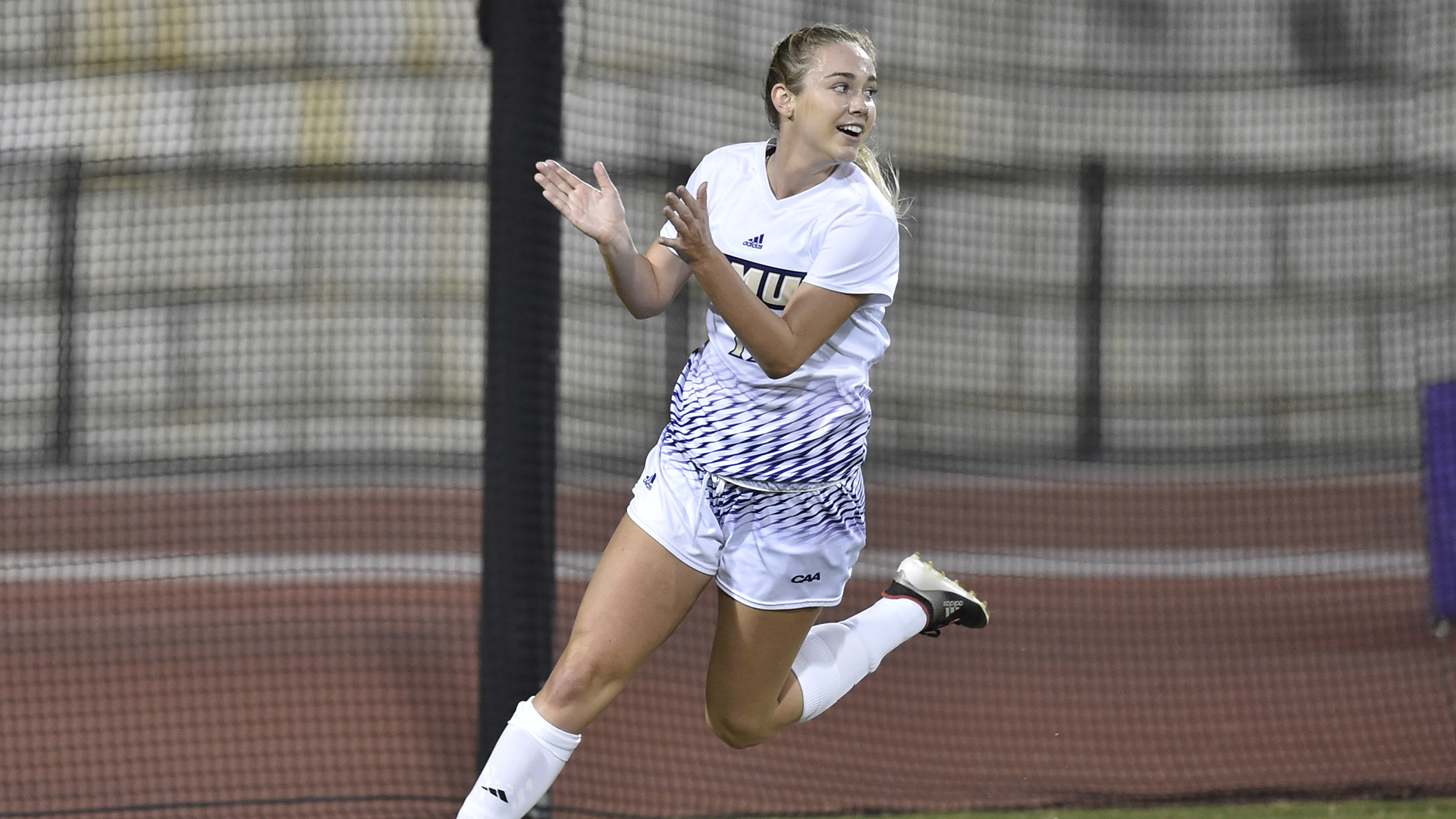 Women's Soccer: Deel Named CAA Player of the Week)