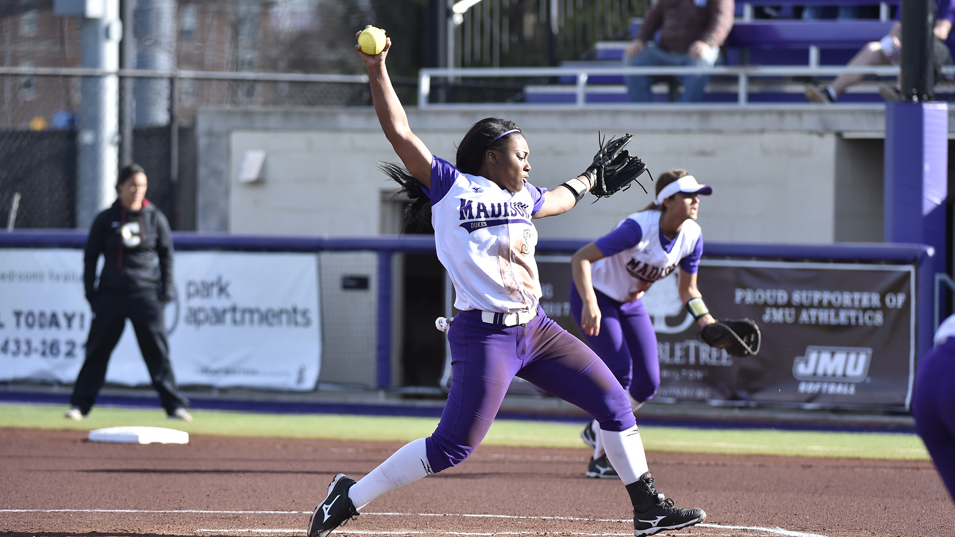 Softball: Powerful Offense Sends JMU Past Morehead State, Campbell)