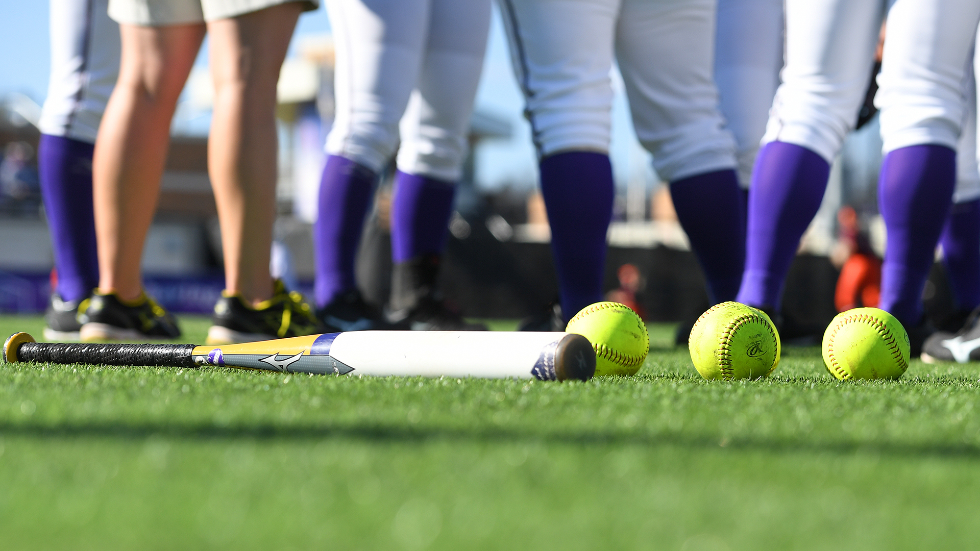Softball: Wednesday's Doubleheader Versus Virginia Tech Canceled)