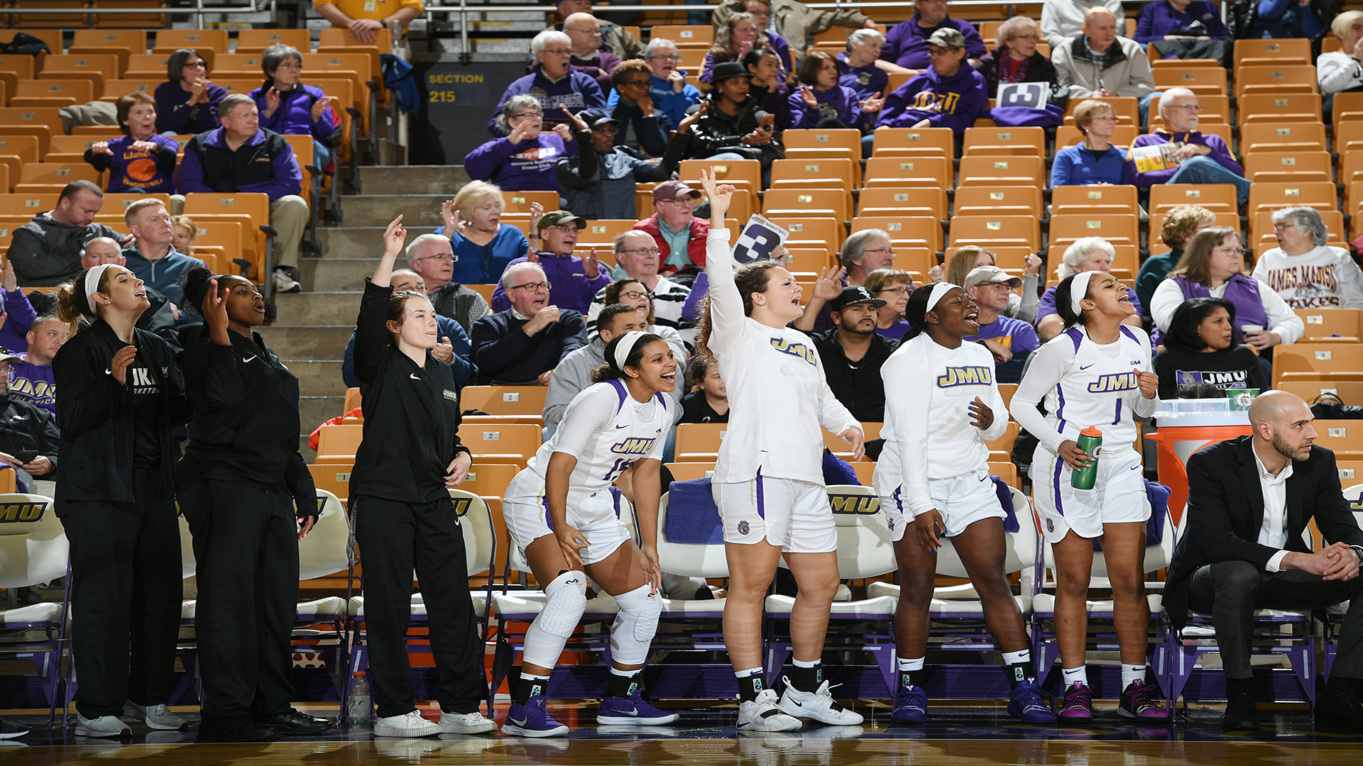 Women's Basketball: Dukes Dominate Cougars