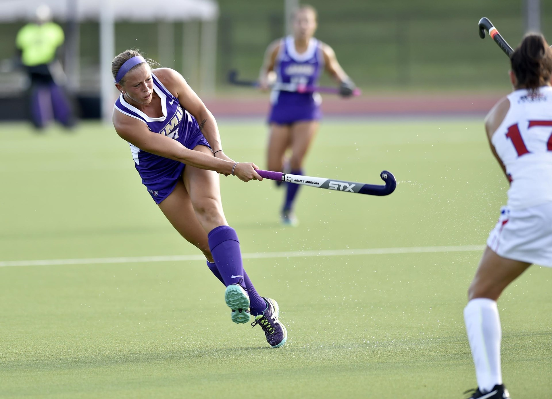 Field Hockey: Dukes Edged By Hawks